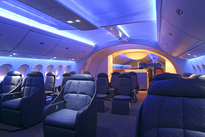 Boeing 787 dreamliner to go live september 28 for Interior 787 dreamliner